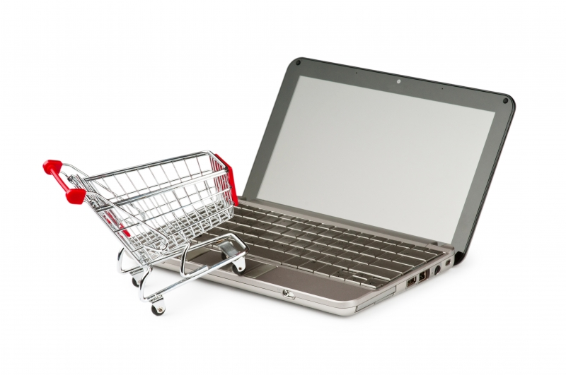 6575575-internet-online-shopping-concept-with-computer-and-cart